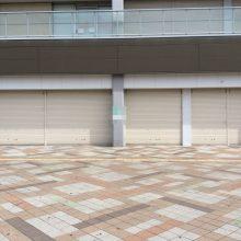 東岸和田駅前コンビニ店舗